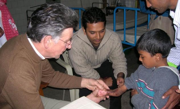 Plastisch chirurg Cees Spronk in Bangladesh